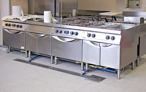 Channel drains, floor drains, catch basins, floor drain with grate gratings and inspection covers in stainless steel for industrial kitchen RAY122 RAY17