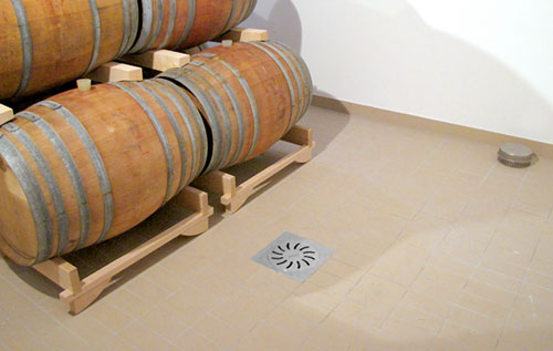 Floor drain, inspection cover, catch basin and grating in stainless steel draiange system RAY for wineries spirit production and distilleries